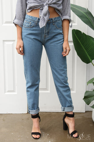 henley mum jeans in blue
