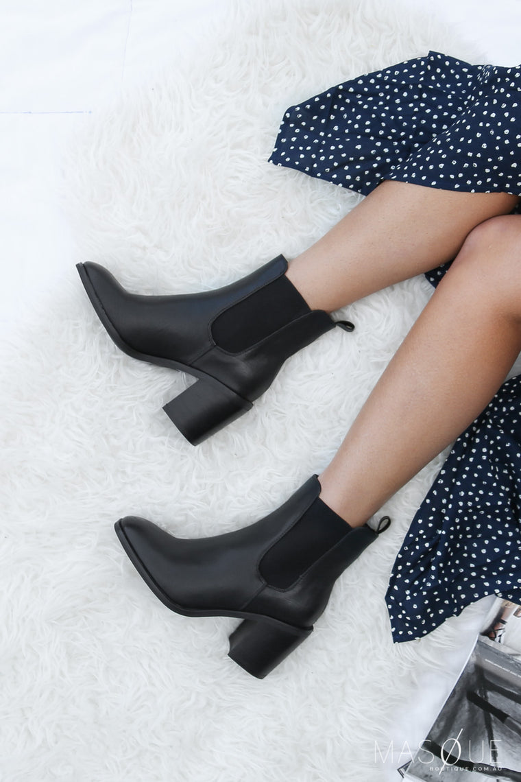 kansas boots in black