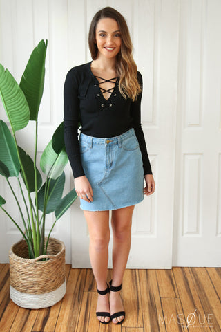 swannie crop in black