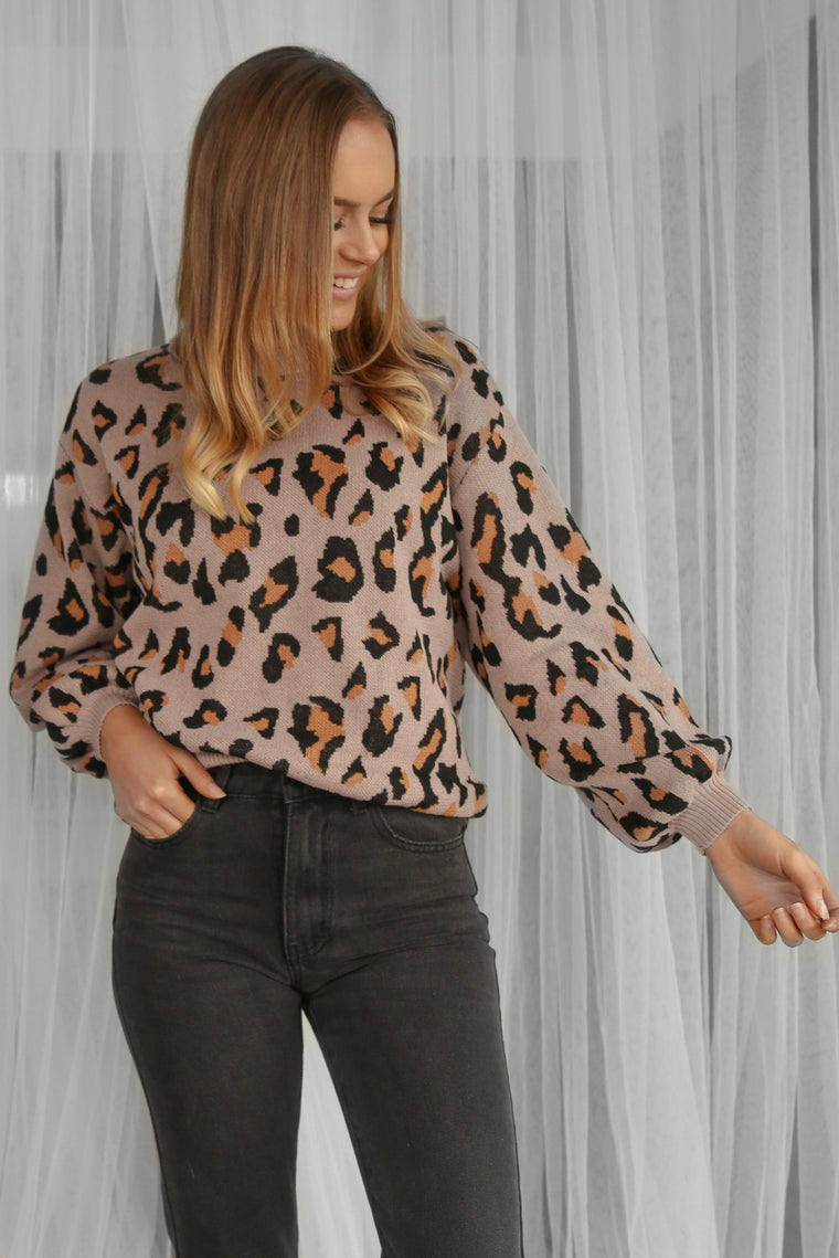 mia jumper in leopard