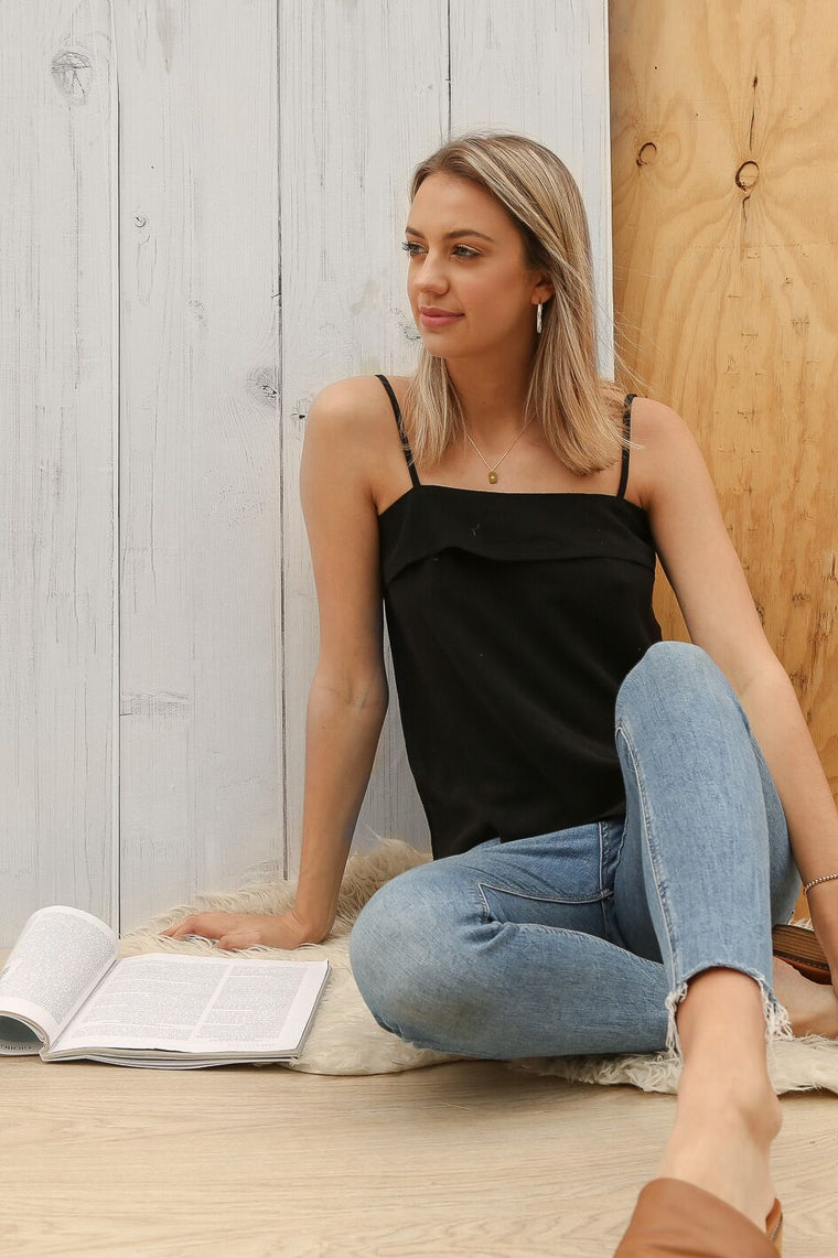 brave linen cami in black