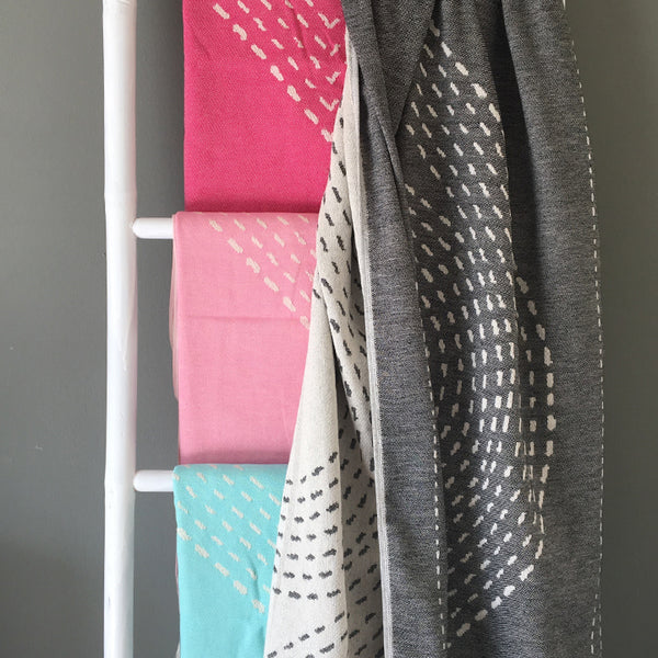 Lightweight woven pareo towels / various colors