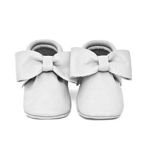 White Bow Moccasins Size 6
