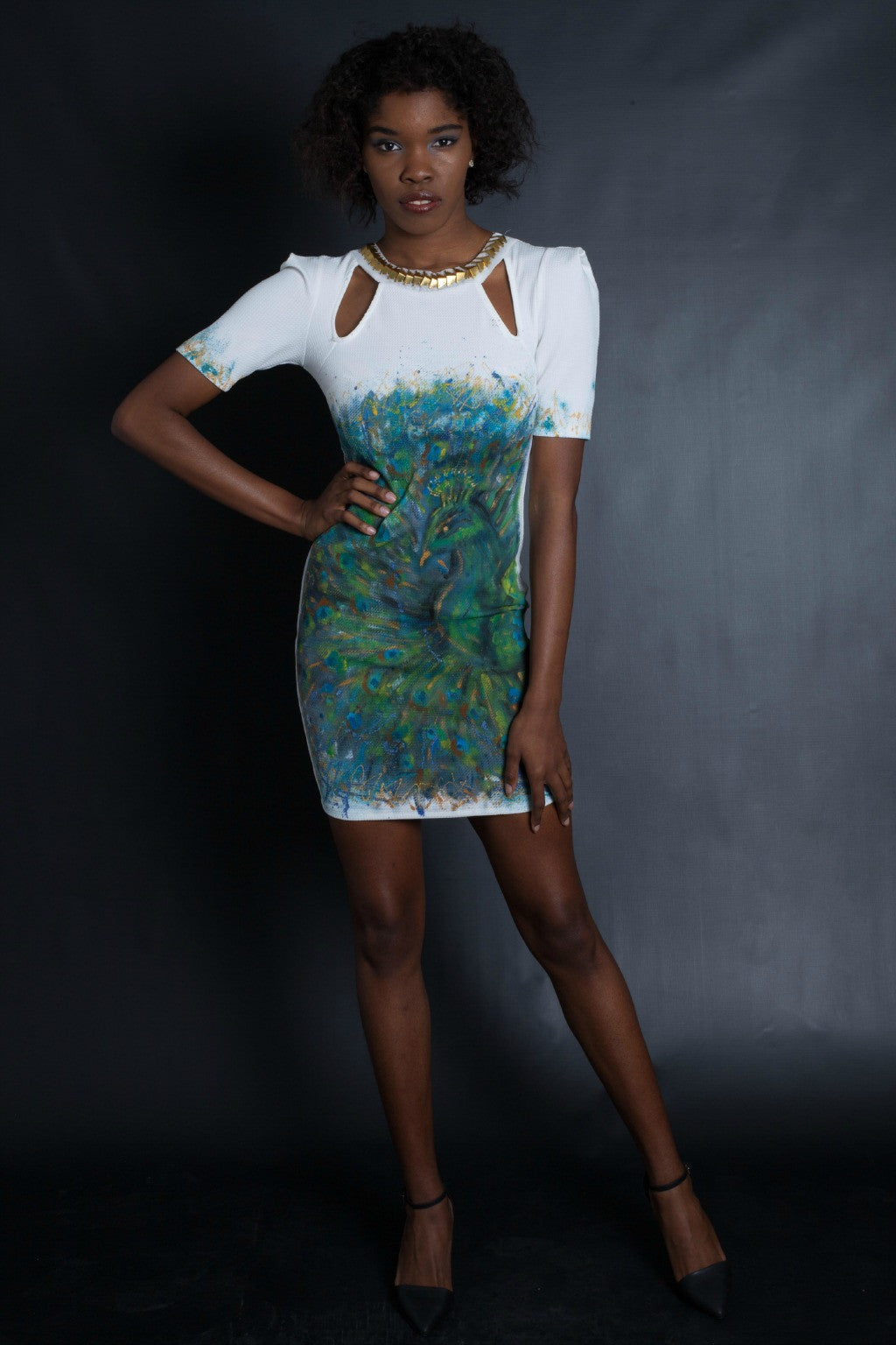 Dramatic Sleeves Graffiti Peacock Dress (White)