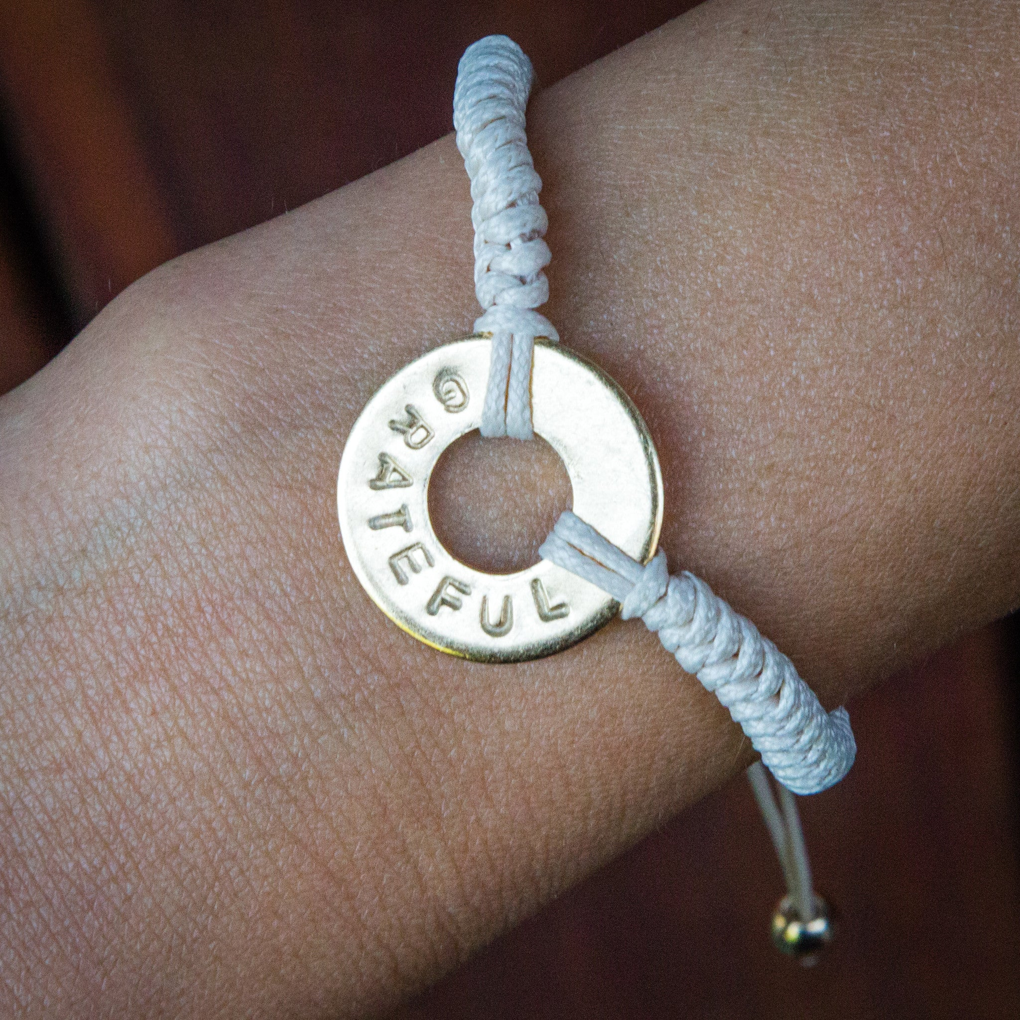 MyIntent Custom Round Bracelet Silver Token Cream color String with word GRATEFUL