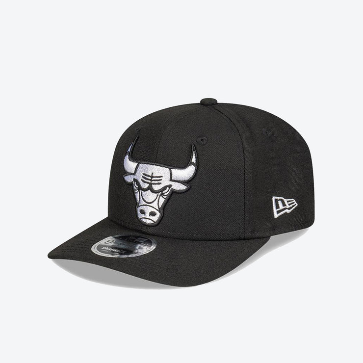 Chicago Bulls Logo Pre Curved 950 Snapback - Black