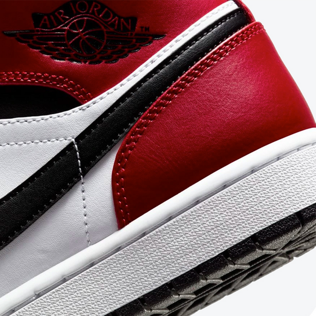 Air Jordan 1 Mid - 'Chicago Black Toe'
