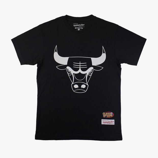 Chicago Bulls Team White Logo T-Shirt - Black