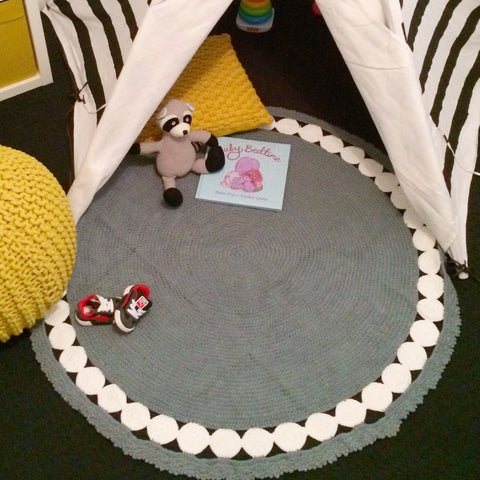 Crochet Contemporary Round Rug