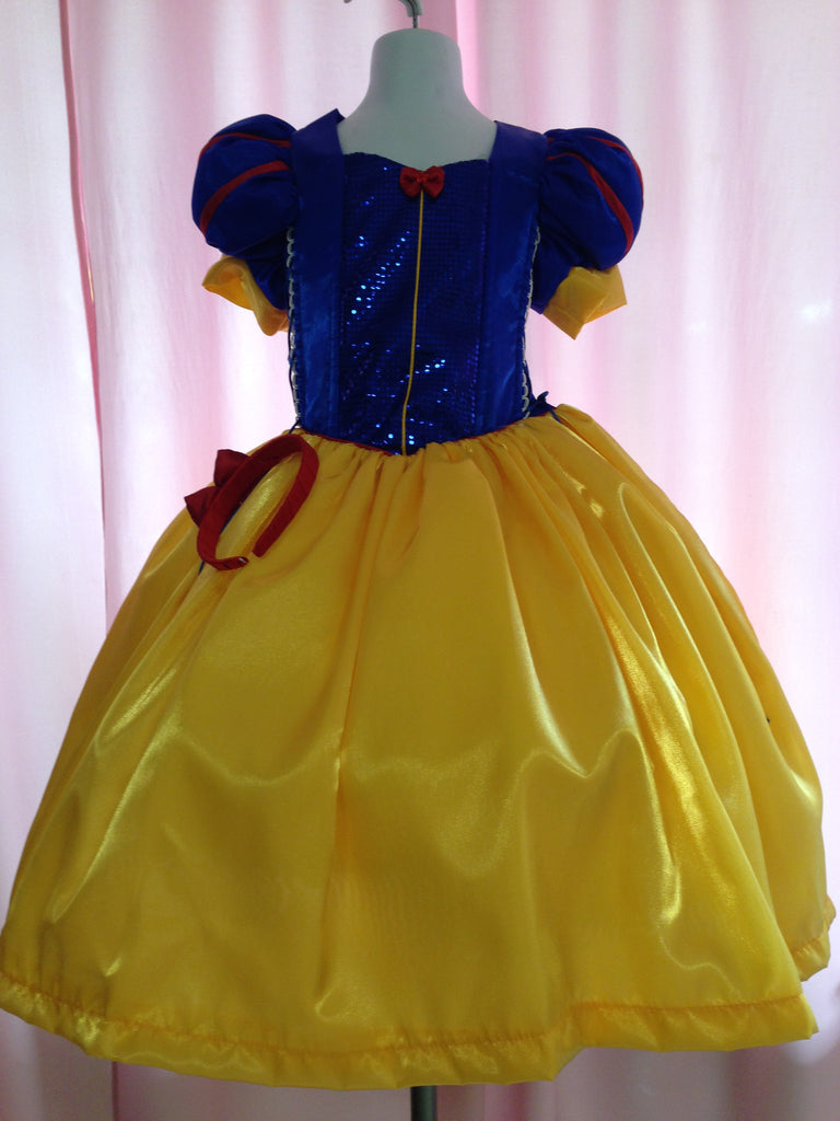 Snow White Princess Costume with Red Cape