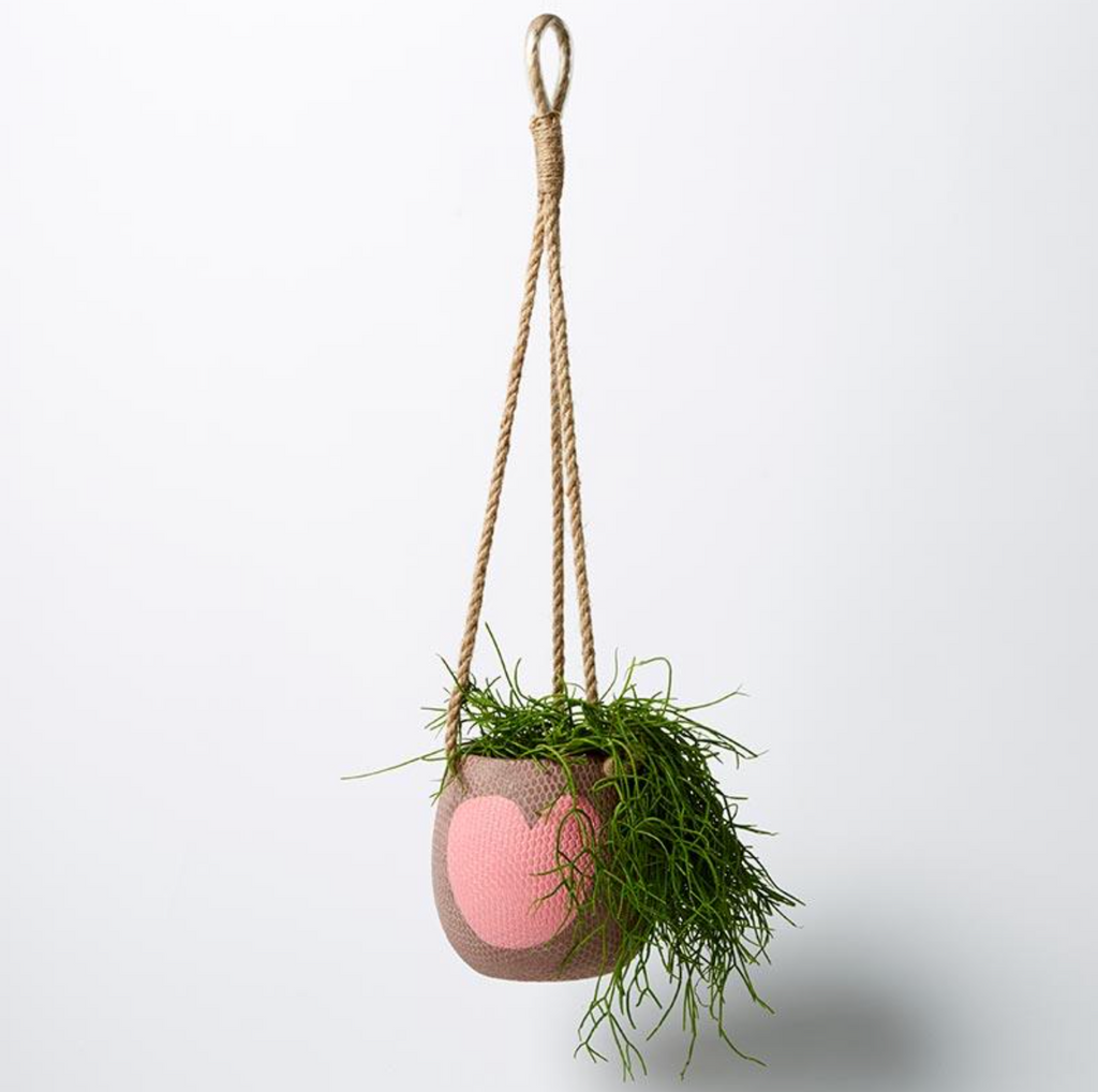 Hanging Heart Pot (Multiple Colours)