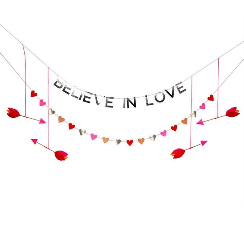 "Girlande ""Believe in Love"""