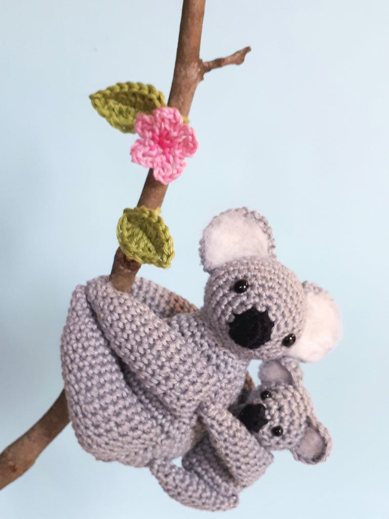 Koala amigurumi crochet pattern, mom and baby koala stuffed animals tutorial - Crochet on a tree