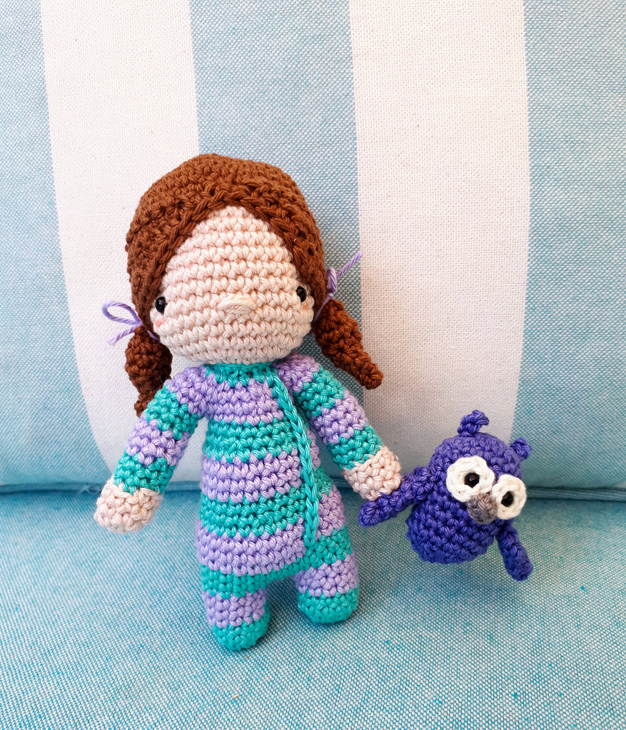 Sleepy Jenny crochet doll amigurumi with owl plush - Crochet on a tree