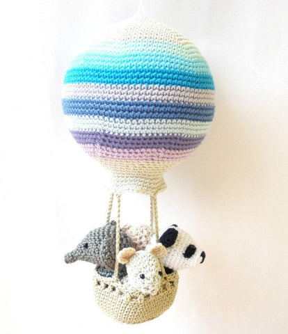 Hot air balloon with amigurumi animals crochet pattern