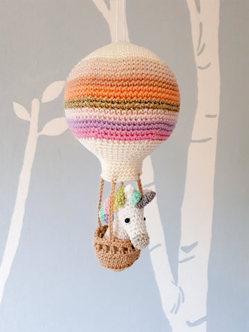 Crochet pattern amigurumi unicorn in a hot air balloon, baby shower decoration