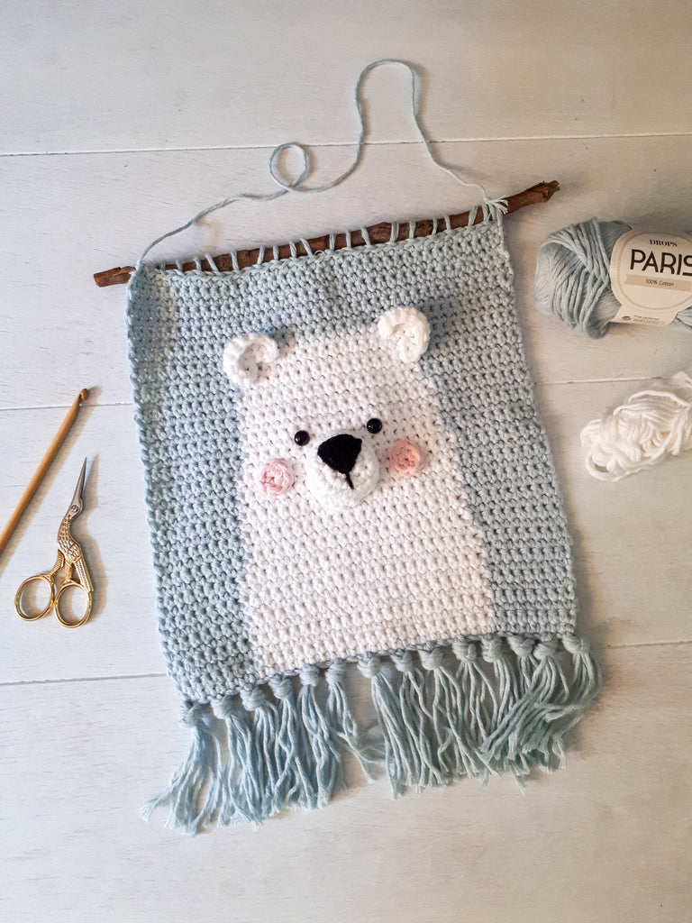 Polar bear nursery wall decor crochet pattern - Crochet on a tree