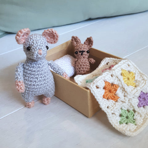 Mouse in a box travel toy crochet pattern