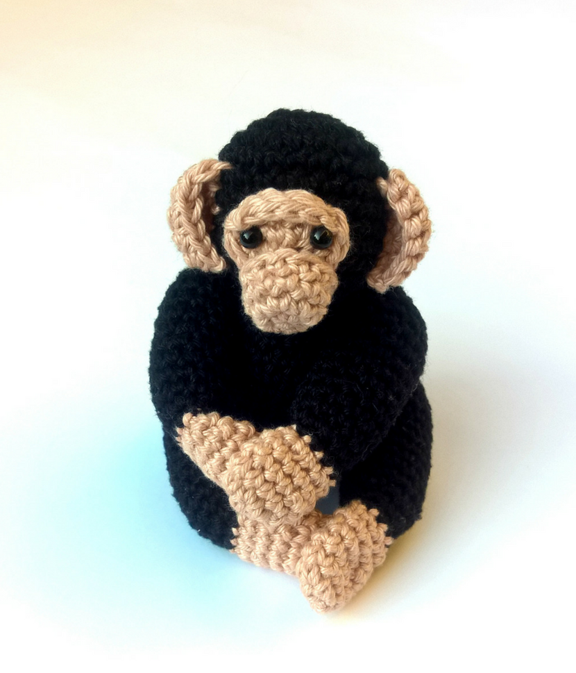 Crochet chimpanzee - Crochet on a tree