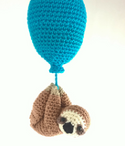 Sloth with balloon - Crochet on a tree