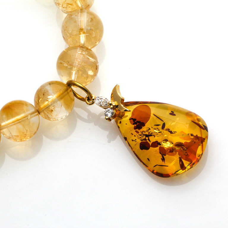 Wealth Bracelet with Dangling Amber