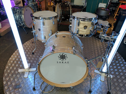 "SAKAE TRILOGY 3-PIECE 20"" SHELL PACK IN VINTAGE CLUB OYSTER"