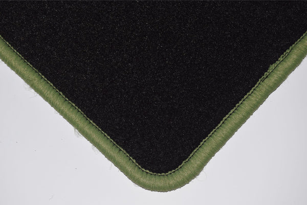 Genuine Hitech Jeep Cherokee 2001-2007 Black Tailored Carpet Car Mats
