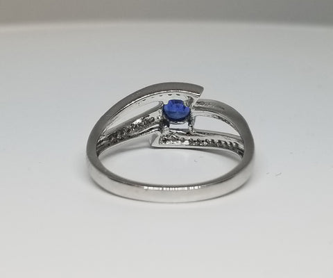 14KT White Gold Contemporary Fashion Ring Diamond and Sapphire SZ7