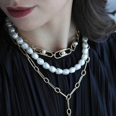 Trendsetter Paperclip Necklace In Ivory Pearl