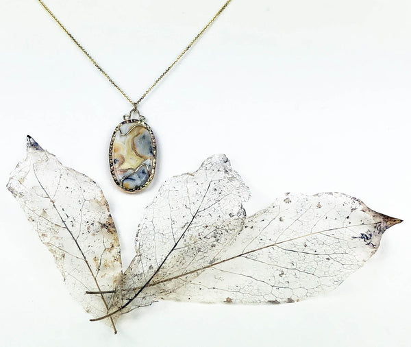 Crazy Lace Agate Necklace set in 14K Yellow Gold
