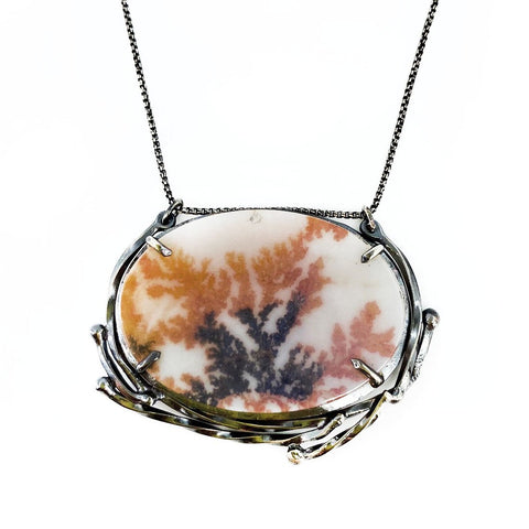 Garland Frame Dendrite Necklace