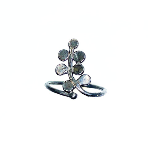Trailing Bubble Fern Ring