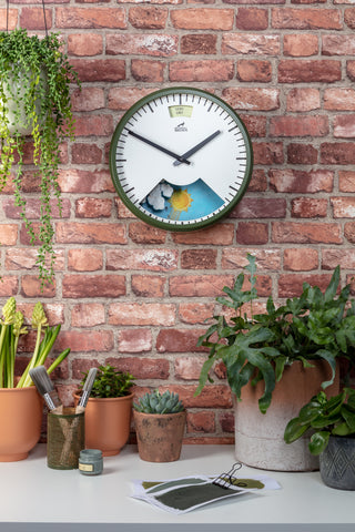 Spring Green Weather Clock showing Very Dry