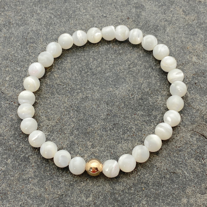Becca Stones Bracelet - Mother of Pearl 6mm