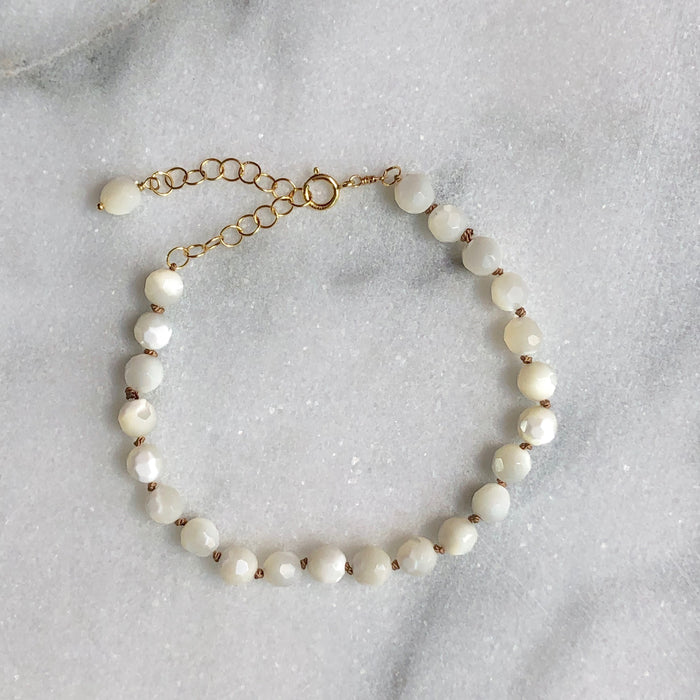 Silk & Stones Bracelet - Mother of Pearl