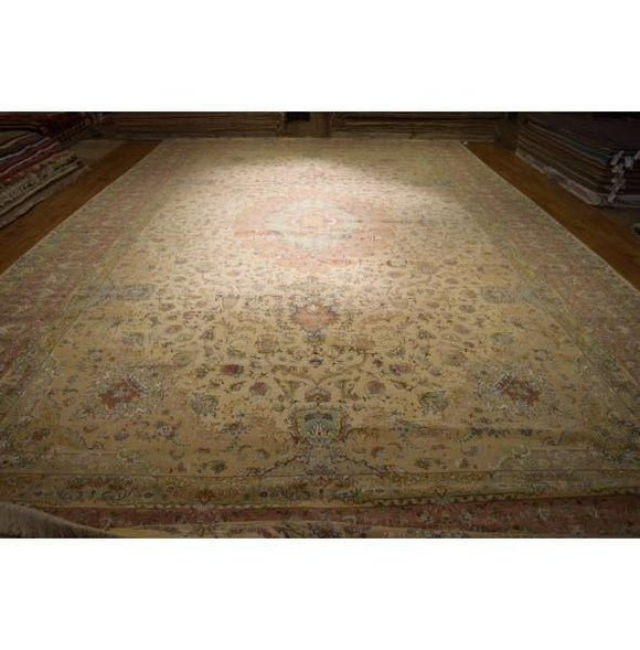 Luxurious 16x26 Authentic Hand Knotted Rug