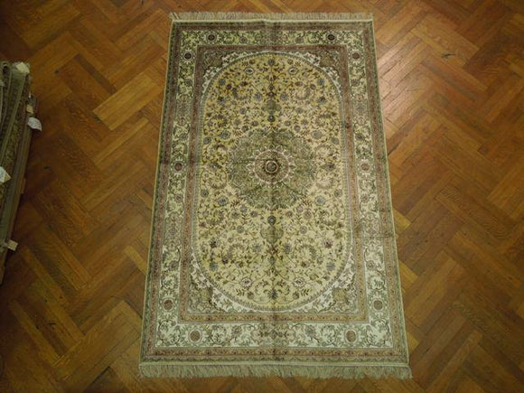 Harooni Originals - 5x8 Authentic Handmade Silk Rug - China