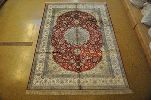 6x9 Authentic Hand-Knotted Fine Quality Silk Rug - China