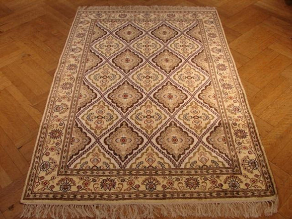Harooni Rugs - Premium 4x6 Authentic Handmade Silk Rug-China