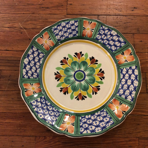 Gorky Dinner Plate - Lattice Flower