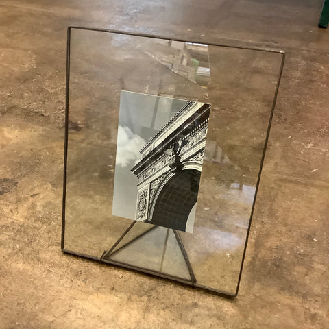 "9"" x 11"" Glass Frame (Clear in Black)"