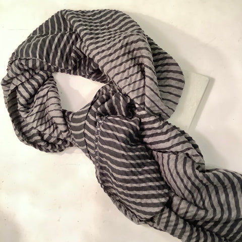 Rippled Stripes Scarf - Grey/Black