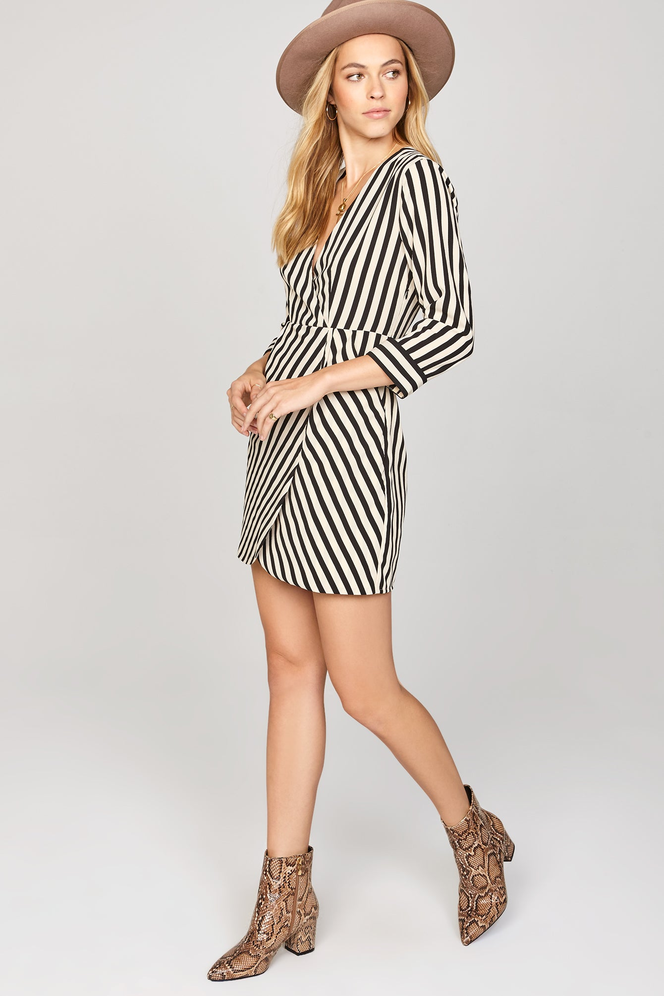 Amuse Caught You Lookin Dress, Black Sands - Ella J Boutique
