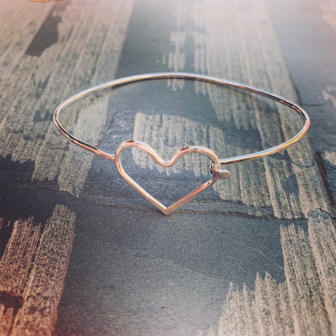 Clasping Bangle - Heart