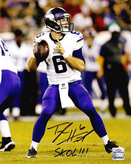 NFL Taylor Heinicke Minnesota Vikings Signed 8x10 Inscribed Skol!!! ( JSA PSA Pass) 757 - 757 Sports Collectibles