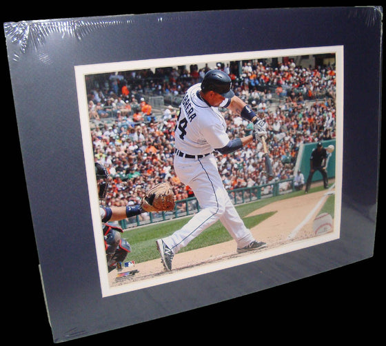 Miguel Cabrerra Detroit Tigers Ball Matted 8x10 Photo Picture Poster Print