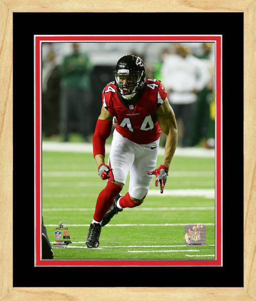 Atlanta Falcons Vic Beasley 2016 NFC Championship Team Color Matting Framed 20x24 Photo (Maple)