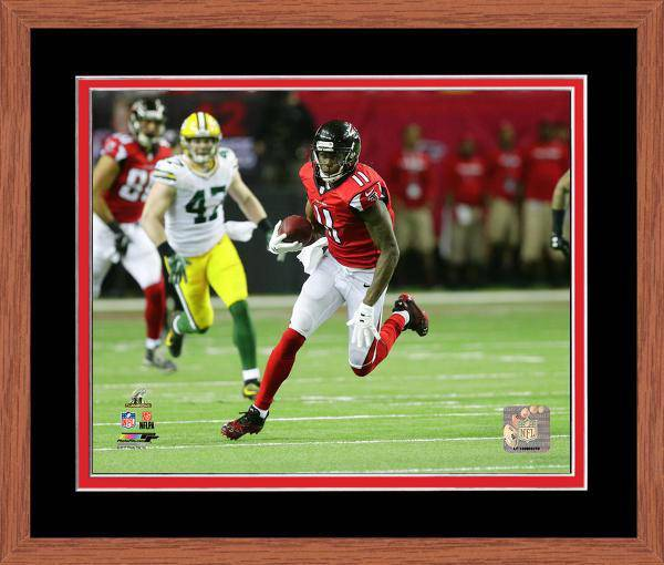 Atlanta Falcons Julio Jones 2016 NFC Championship Team Color Matting Framed 16x20 Photo (Oak)