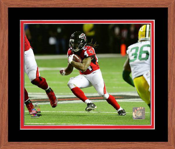 Atlanta Falcons Devonta Freeman 2016 NFC Championship Team Color Matting Framed 20x24 Photo (Oak)