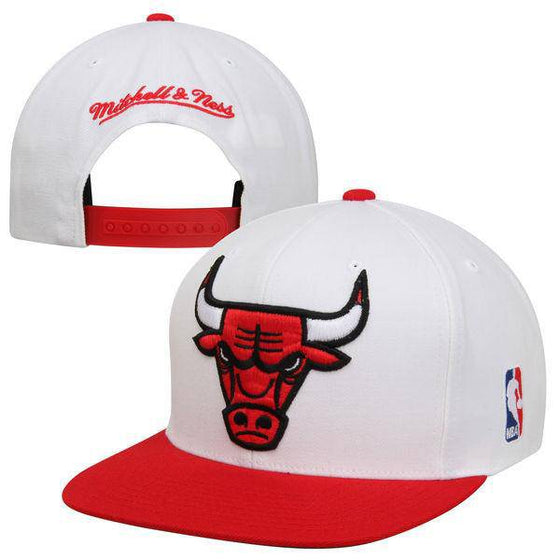 NHL Chicago Bulls Mitchell and Ness White/Red Snapback Hat